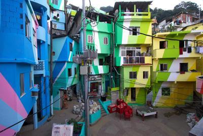Praça Cantão, Favela Painting Project.